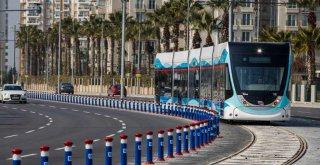 Çiğli Tramvayı'nın ihalesi yapıldı