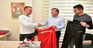 İnönü Belediyesi Amatör Spor Kulüplere Malzeme Desteği Geleneğini Sürdürdü