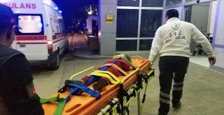 Samsunda Otomobil Şarampole Yuvarlandı: 2 Yaralı