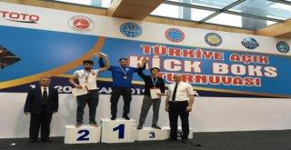 Büyükşehirin Milli Sporcuları Kıck Boksta Tarih Yazdı