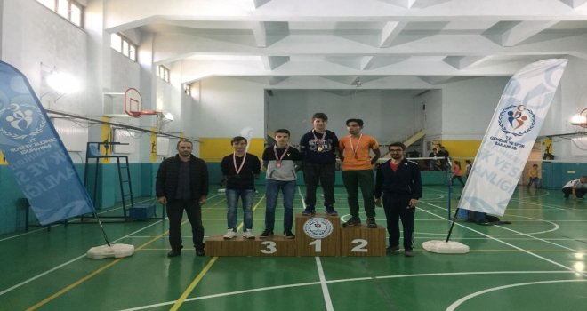 Badminton Cumhuriyet Kupası Sahiplerini Buldu