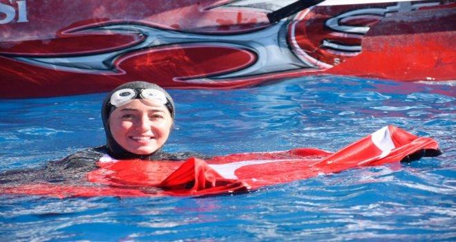 Şahika Ercümen Salda Gölünde Dünya Serbest Dalış Rekorunu Kırdı