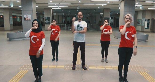 Yozgat Şehir Hastanesi Çalışanları İstiklal Marşını İşaret Dili İle Okudu