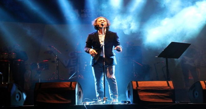 Kocaelide Cumhuriyet Coşkusu Fettah Can Konseriyle Renklendi