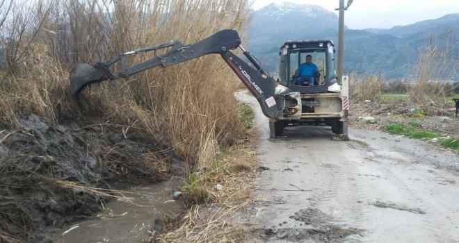 Barbaros Mahallesinde Dere Temizlik Çalışması Tamamlandı