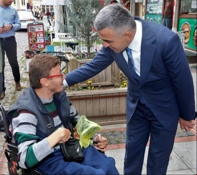 Engelli Evde Bakım Hizmetleri Sosyal Yardımlaşma Ve Dayanışma Vakıflarına Devredildi