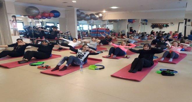İzmit Belediyesi Spor Salonlarında Yeni Dönem Başladı