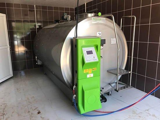Büyükşehirden Süt Üreticisine Soğutma Tankı Desteği