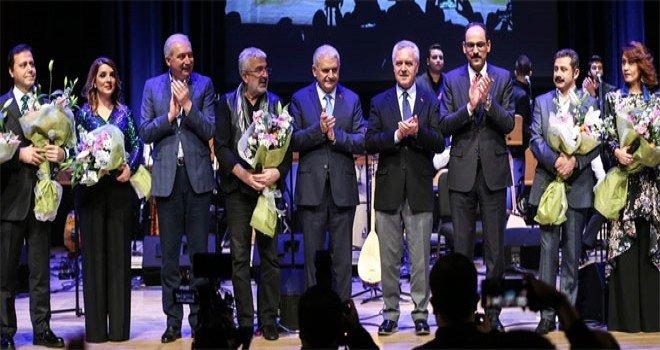 Yıldırım Ve Uysal Esat Kabaklı 50. Yıl Özel Konserine Katıldı