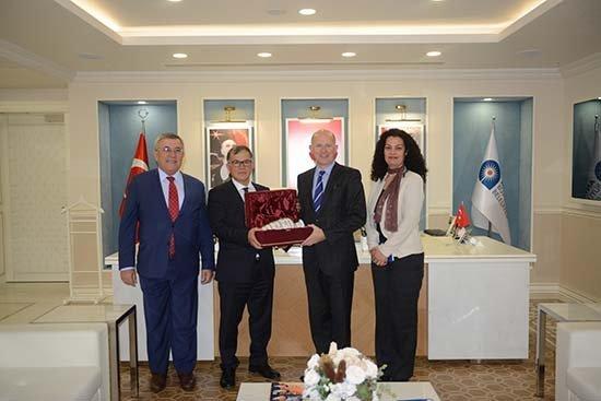 İngiltere Büyükelçisinden Büyükşehire Ziyaret