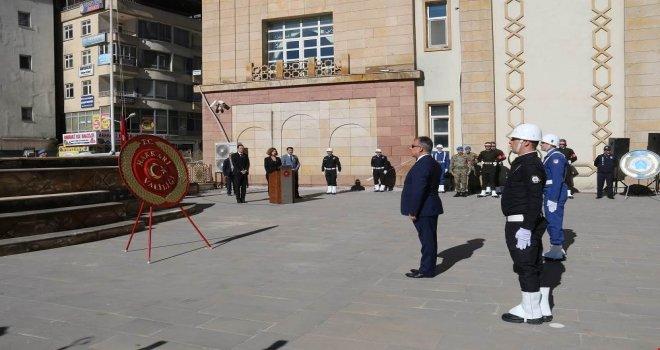 Hakkaride 29 Ekim Cumhuriyet Bayramı