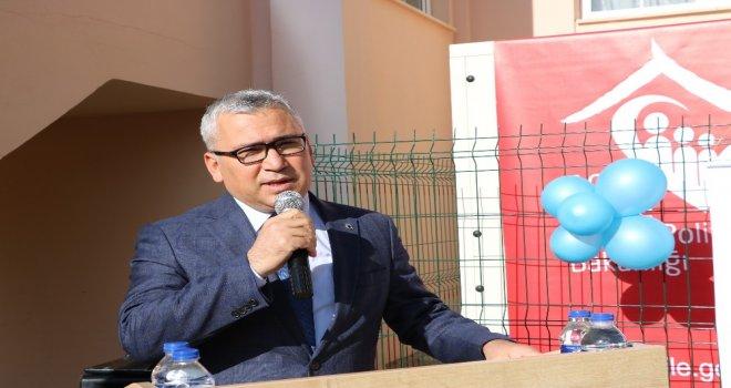 Çocuklar İçin 'Sevgi Kütüphanesi Açıldı