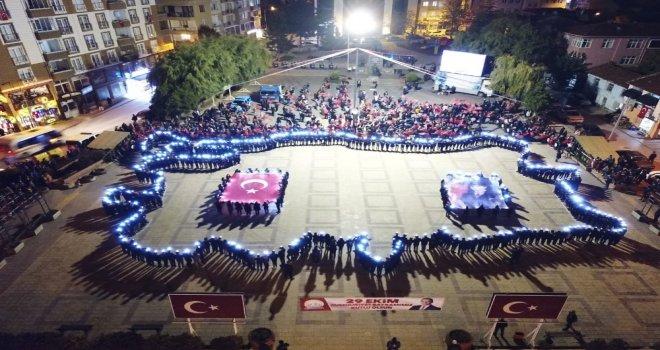 Lise Öğrencileri Bedenleriyle Türkiye Haritası Yaptı