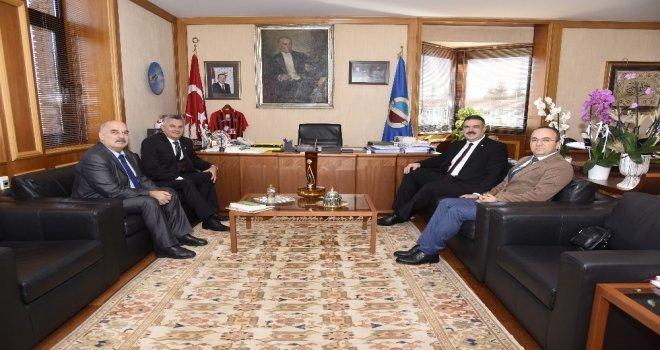 Sücaaddin Veli Kültür Ve Turizm Derneğinden Rektör Prof. Dr. Çomaklıya Ziyaret