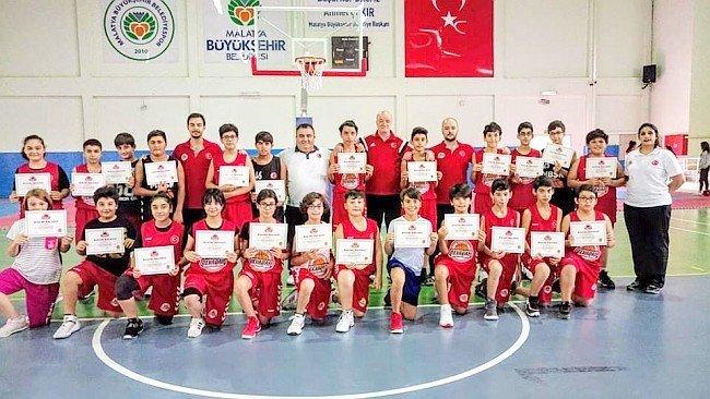 Malatyada Yaz Spor Okulları Sona Erdi