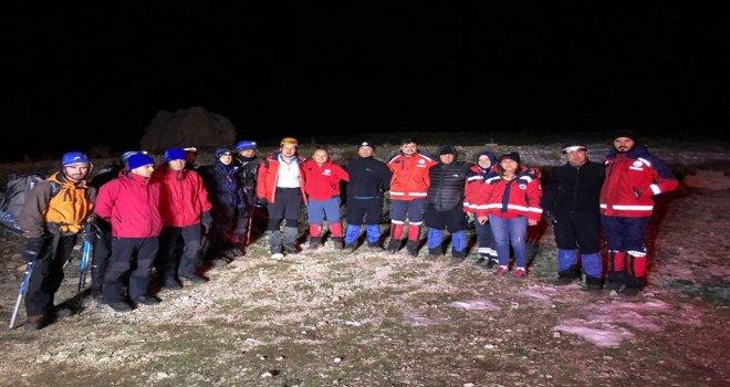 Demirkazık Dağında Rotasını Kaybeden Dağcılar Kurtarıldı