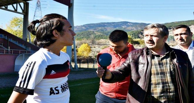 Lösemili Çocuklar Haftasına Dikkat Çekmek İçin Futbolcular Sahaya Maskeyle Çıktı