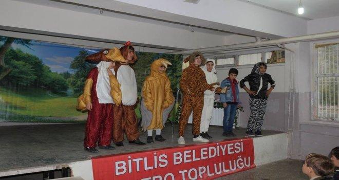 Bitliste 'Ormandaki Dostluk Oyunu Sahnelendi