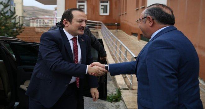 Vali Ali Hamza Pehlivan Defterdarlık Personeliyle Kahvaltılı Toplantıda Bir Araya Geldi