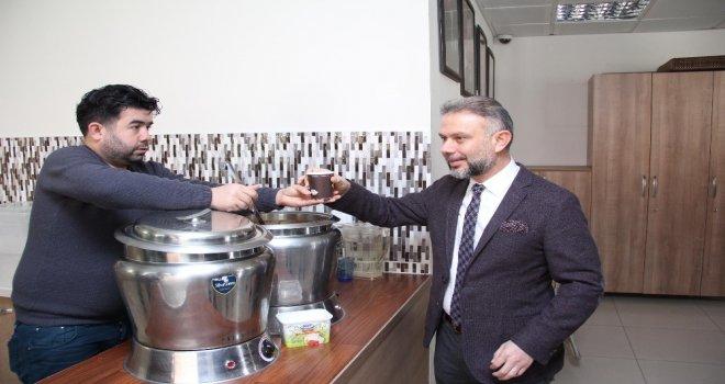 Kahramankazan Belediyesinden Ücretsiz Çorba Ve Çay İkramı