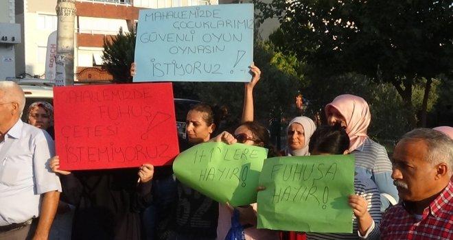 İzmirde Mahallelinin Fuhuş Eylemi