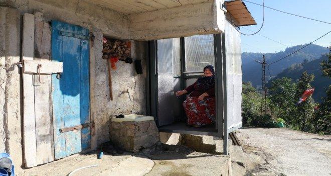 Hasta Eşi İçin Evine Dışarıdan Asansör Yaptı