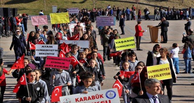 Karabükte Cumhuriyet Bayramı Kutlamalarına Yoğun İlgi