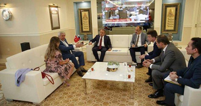Rusya- Türkiye İş Konseyi Başkan Böcek'i ziyaret etti