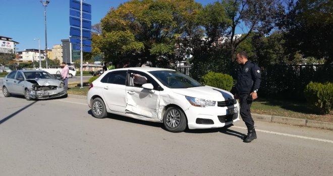 İki Otomobil Kavşakta Birbirine Girdi: 5İ Çocuk 6 Yaralı