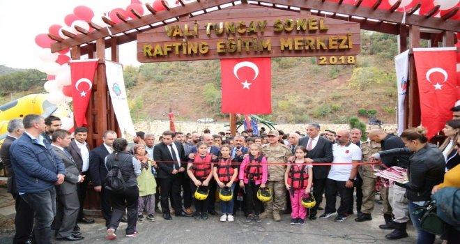 Türkiyenin İlk Rafting Eğitim Merkezi Tuncelide Açıldı