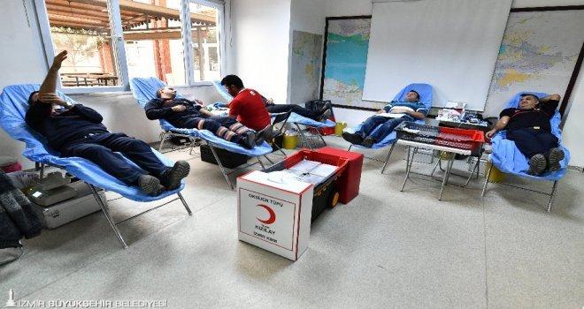 İzmir Büyükşehir İtfaiyecileri Donör Oldu