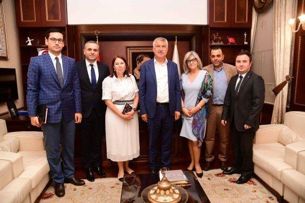 Portekizin Ankara Büyükelçisi  ,başkanzeydan Karaları Ziyaret Etti.