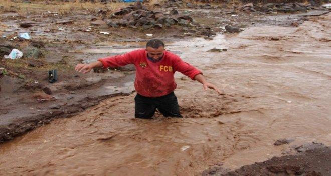 Güroymakta Aşırı Yağışlar Sele Neden Oldu