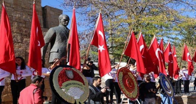 Sivasta İstiklal Marşı Okunurken Hayat Durdu
