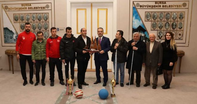 Şampiyonluk sevincini Başkan Aktaş'la paylaştılar