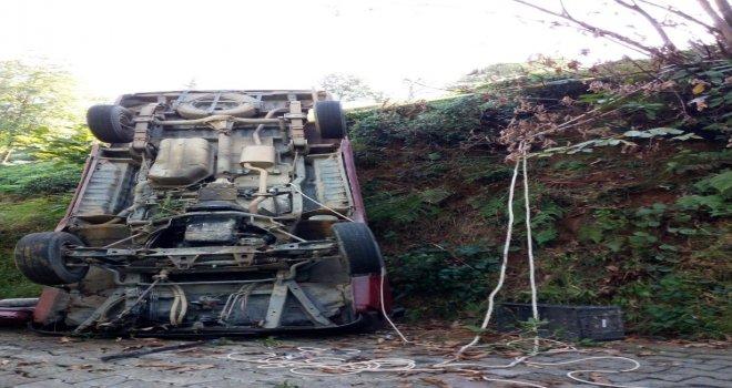Rizede Minibüs Takla Attı: 2 Yaralı