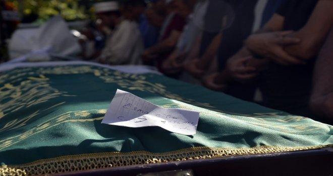 Babası Tarafından Boğularak Öldürülen 13 Yaşındaki Kız Ve İntihar Eden Babası Toprağa Verildi