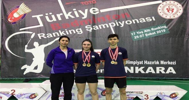 Osmangazi Badmintonda Rakip Tanımıyor
