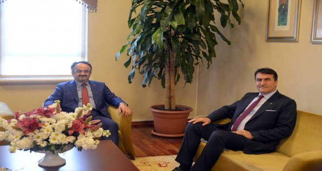 Kaymakam Orhandan Başkan Dündara Tebrik Ziyareti...