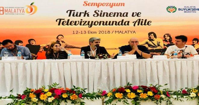 """""""Türk Sinema Ve Televizyonunda Aile"""" Konulu Sempozyum Başladı"""