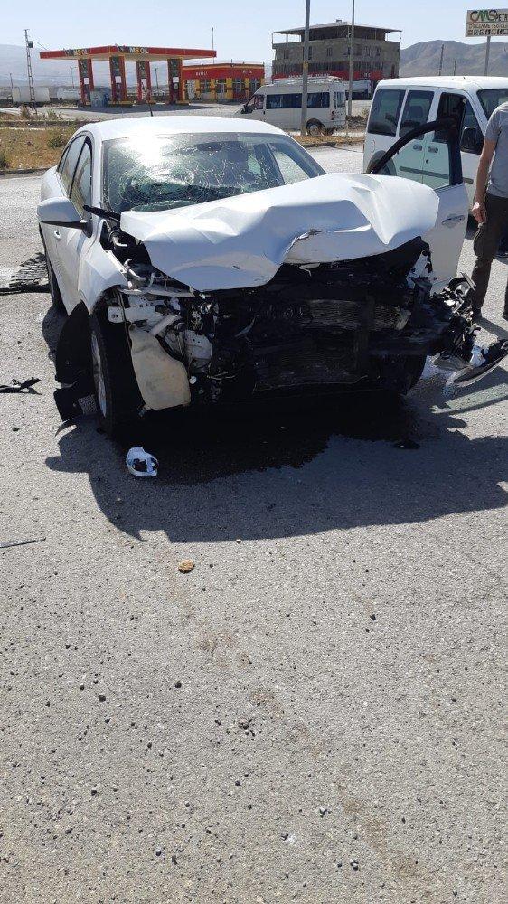 Ağrıda Kaza: 2 Yaralı