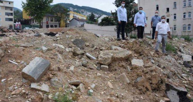 Bursa'da gündem, yıkılan okulların yeniden yapılmaması