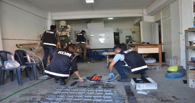 Torna Dükkanından Silah İmalathanesi Çıktı
