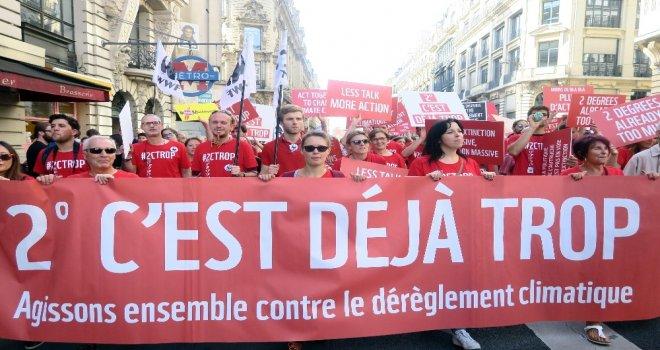 Fransızlar Küresel Isınmaya Dur Demek İçin Sokağa Döküldü