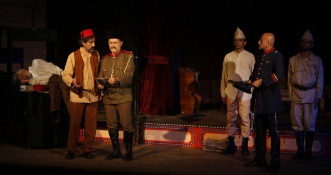 """Döşemealtı Halk Tiyatrosu; """"Bu Da Geçer Ya Hu"""" İle Sezon Açtı"""