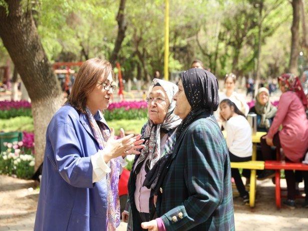 Büyükşehir, Grileşen Gazi Şehri Millet Bahçeleriyle Buluşturdu
