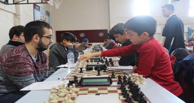 Elazığda Satranç Turnuvasına Büyük İlgi