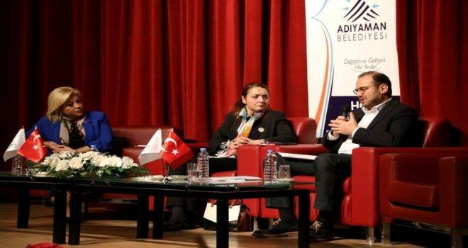 'Küresel Finans Savaşları Konulu Konferans Düzenlendi
