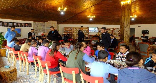 Sultanhanında Ortaokullar Arası Satranç Turnuvası
