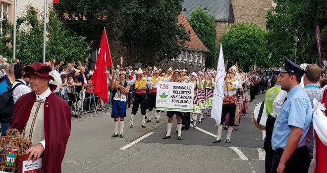 Hessendeki Kültür Festivaline Osmangazi Halk Dansları Renk Kattı